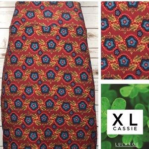 Size XL red/blue/yellow floral pencil skirt